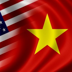 US-Vietnamese-flags